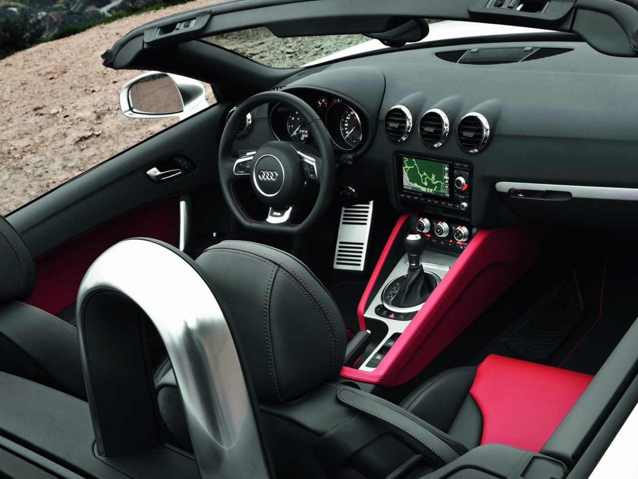 Audi TTS Coupe interior