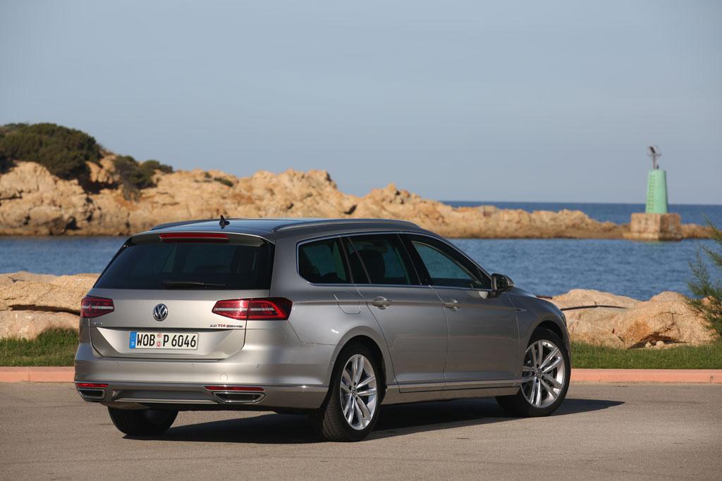 Volkswagen Passat Variant back